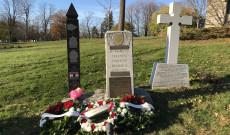 Emlékmű a beechwoodi temetőben