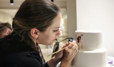 Palkovics Anita porcelánfestő