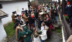 Ausztriai magyar gyerekek Hollókőn