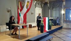 Tőkés Enikő elnök asszony és Simonffy Erika tiszteletbeli elnök asszony