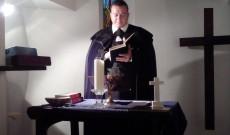 Sáfrány Zoltán református lelkész igét hirdet