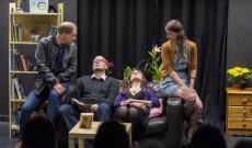Magyar-Ír Színház: Ölelj át! című előadása