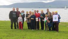 Csoportkép koronás főkkel a Lough Dergnél