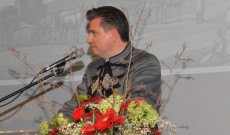 Szennyessy László, Zürichi Magyar Egyesület elnöke és a svájci Magyarház Alapítvány kuratóriumi elnökének  ünnepi megnyítója