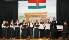 Zürichi Magyar Ökumenikus Golarits Kórus előadása