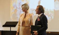 Fodor-Lengyel Zoltán Spanyolországban élő magyar művész, a madridi 56-os emlékmű alkotója vette át a Magyar Köztársasági Arany Érdemkeresztet.