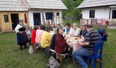 Ebéd Csíkszentdomokoson a tájháznál Irénke nénivel