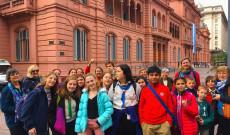 ZIK diákok és tanárok az Elnöki Palota előtt