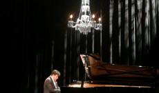 Balázs János zongoraművész
