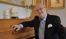 A 80 éves Maróti László zongorista portréja