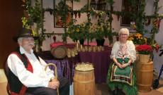 Gonzo John bácsi és felesége Helen néni 20 éve kóstoltatnak mustot az Árpád házban