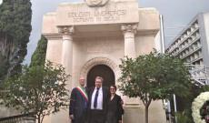 Vittoria polgármestere, Dr. Heintz Tamás és Boldizsár Andrea a magyar kápolna előtt
