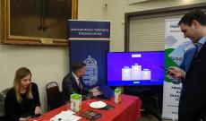 Kahoot játék a Torontói Főkonzulátus asztalánál, Torontói Magyar Ház Nyílt Napja 2020