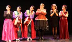 Magyar táncház a KDSSC koreai estjén 2019. december 4-én Torontóban