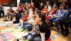 A közönség feszülten figyel Lundban.