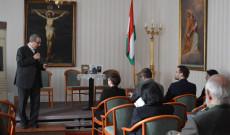 Varga János atya megnyitja a május 19-i Mindszenty-könyvbemutatót