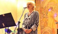 Késmárky Marika híres táncdalénekes is fellépett a bálon