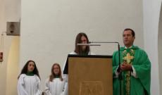 A diákok az egyetemes könyörgésekben imádkoztak az új tanév kegyelmeiért