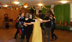 Körtáncot jártak a müncheni Magyar Katolikus Misszió fiataljai