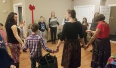 Közös tánc karácsonykor