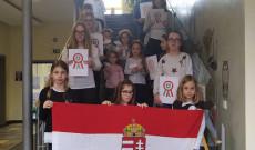 Március 15 műsort adtak elő a BMI Regensburgi iskolájának tanulói