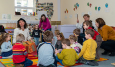 Aranyalma Páros a Corki Magyar Iskola és Óvodában az óvodások között