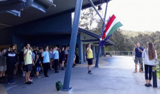 reggeli zászlószertartás
