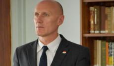 Dr. Kálmán László főkonzul úr