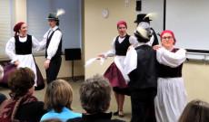 A Forgatós Néptáncegyüttes vajdaszentiványi és marossárpataki táncokat adott elő
