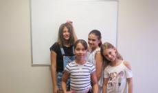 Vanda , Lilly, Auróra és Olívia