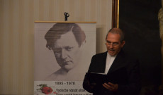Mécs László est: Varga János rektor