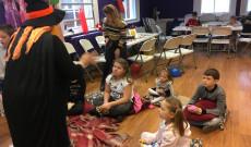 Beszélgetés farsangi hagyományainkról a Szóló Szőlő Chesteri Magyar Tanodában