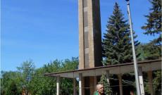 A nemzeti összetartozás fájának ültetője - Károly István