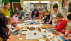 Kézműves Foglalkozás a Corvinus karácsonyi zárónapján