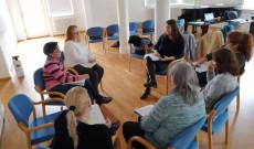 Kiscsoportos keretekben folyik a honlap témáinak megbeszélése
