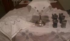 Megterített úrvacsorai asztal
