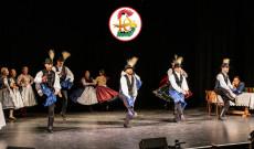A Hunique táncosai