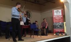Folktone band a guildfordi magyar táncházban