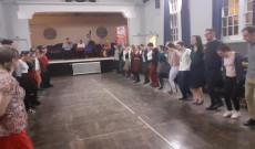 Táncos energiákkal a guildfordi magyar táncházban