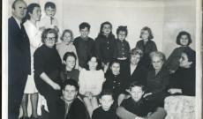 Református templomban Sári néni a magyar iskola diákjaival