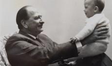 Fóthy Gyula unokájával