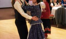 Az ösztöndíjasok tánc közben