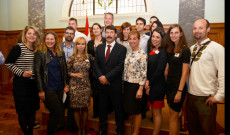 Magyar Fiatalok az Új-zélandi Parlamentben Áder Jánossal