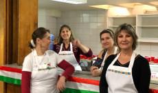 A Törey család hölgy tagjai az Olasz Parókia konyhájában