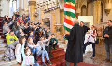 A Rákóczi Szövetség elnöke, dr. Halzl József úr és Csáky Csongor főtitkár köszöntötte az ausztriai magyar gyermekeket