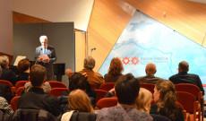 Dr. Perényi János Magyarország Ausztriába akkreditált rendkívüli és meghatalmazott nagykövete beszédet tart