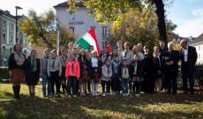 Az innsbrucki 79. sz. Dr. Kozma György SJ Cserkészcsapat Nagy-György Attila lelkésszel és Hirschberger Raimund diakónussal 2016-ban az 1956-os megemlékezésen