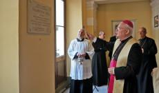 Az emléktáblát Cserháti Ferenc püspök áldotta meg