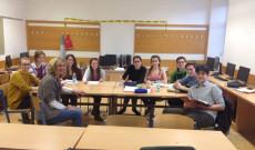 Az innsbrucki magyar anyanyelvi oktatás gimnazista csoportja a 2016/2017-es tanévben