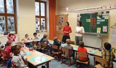 tanulók a bécsi Bunte Schule Währing-ben